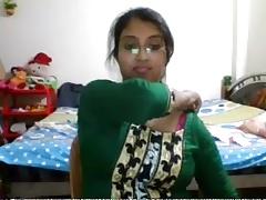 Desi Pamper Similarly on cam