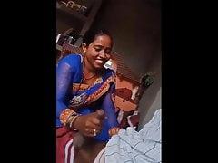 Desi Bhabhi Giving Handjob..