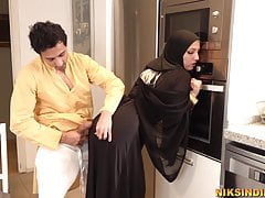 Muslim teen in Burka sucks..